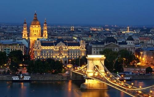 Цепной мост, дворец Грешам и Базилика святого Иштвана